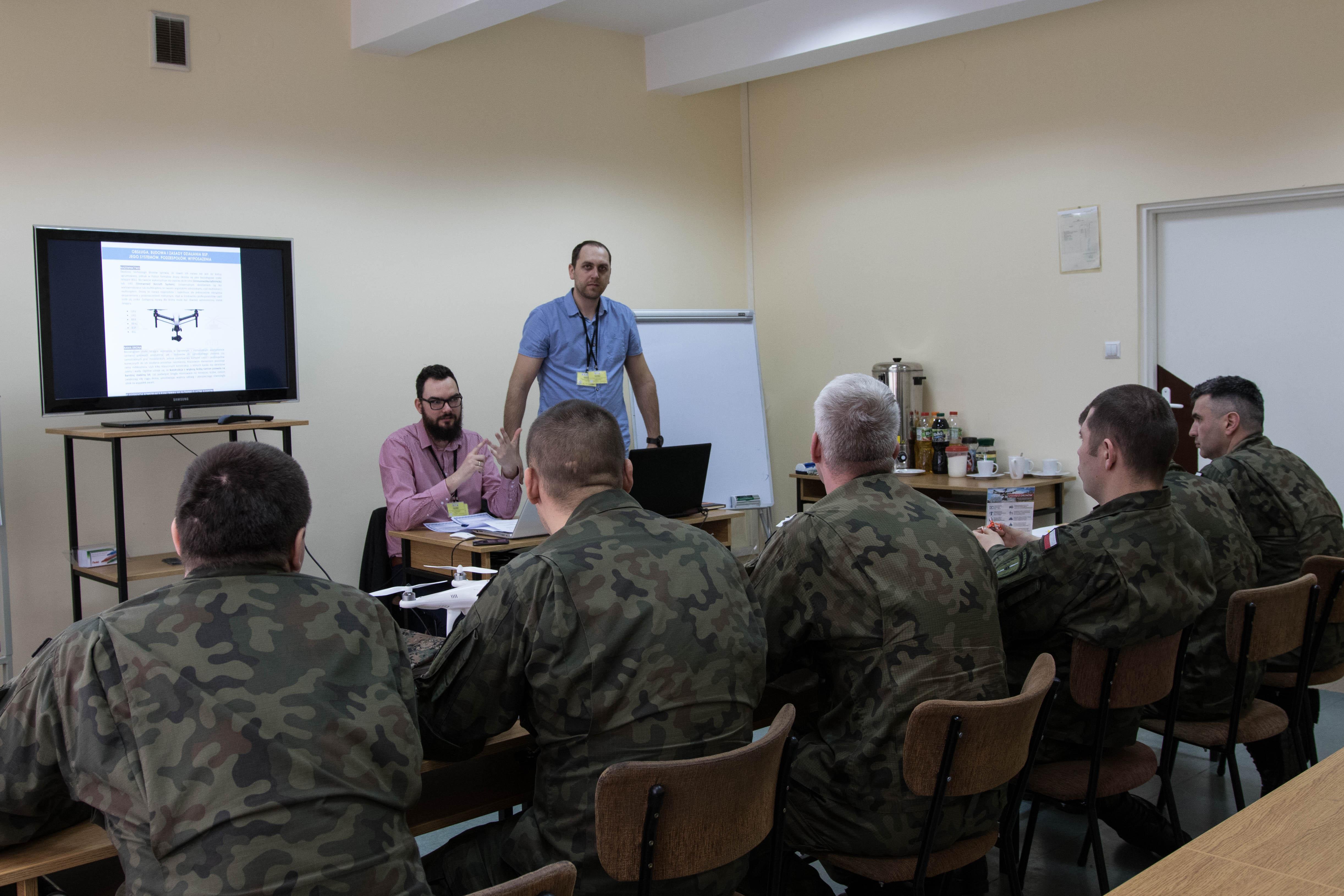 Szkolenia na pilota drona dla służb mundurowych