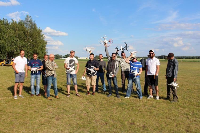egzaminy_panstwowe_uavo_szkolenia_na_drony_vlos_www.ironsky.pl_sprzedajemy_drony_yuneec_typhoon_dji_phantom_3dr_solo_img_3741