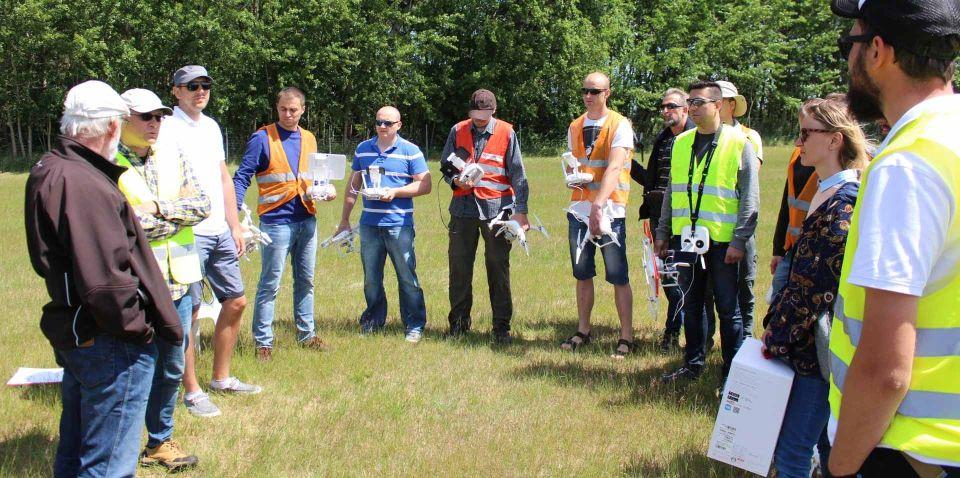 FAQ drony vlos Egzaminy państwowe UAVO szkolenia na drony VLOS www.ironsky.pl sprzedajemy drony Yuneec Typhoon Dji phantom 3dr