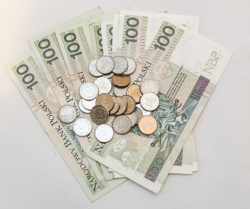 Zmiana opłat lotniczych ULC - za egzamin UAVO zapłacimy teraz 211 PLN