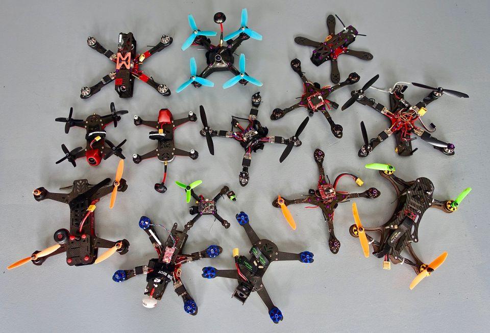 Zasady wykonywania lotów rekreacyjnych lub sportowych FPV dronami iron sky DJI Yuneec drony wyścigowe a prawo