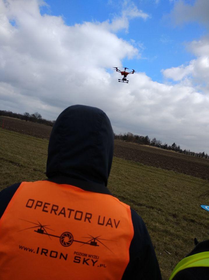 Szkolenia UAVO na operatora drona dronów BVLOS dla PSP Państwowa Straż Pożarna Poznań IRON SKY licencja na drony