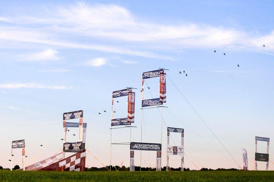 multigp Drone Racing IRONSKY Team FPV wyścigi dronów Polska - tor w Dubaju