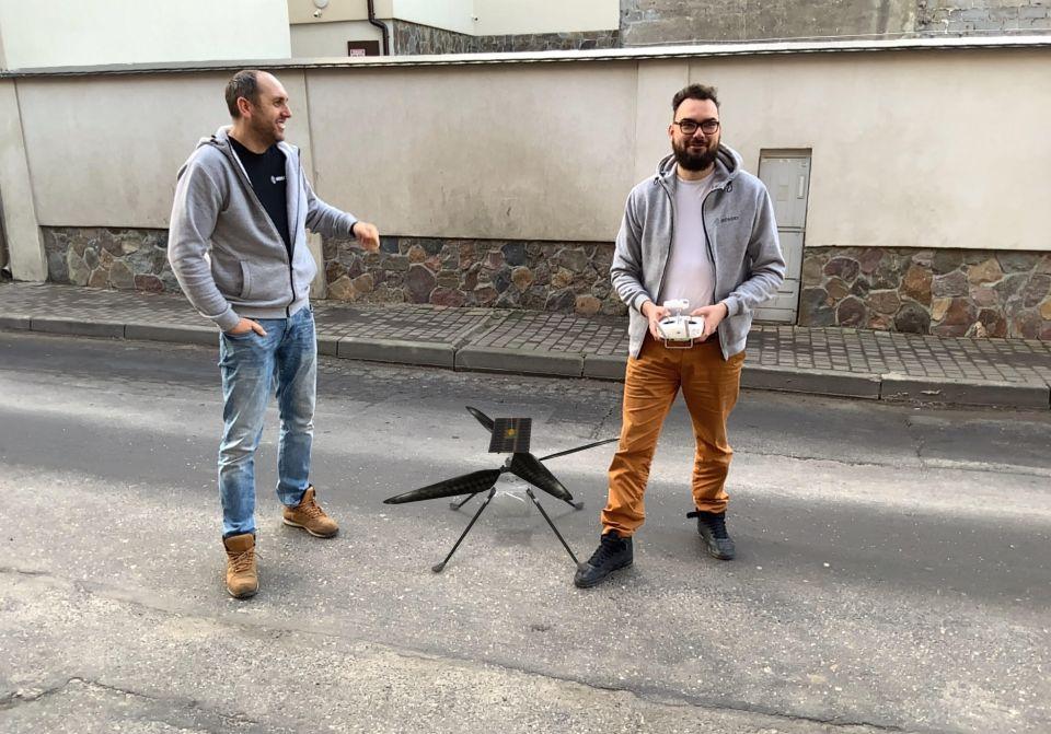 inzynierowie-ironsky-testuja-drona-marsjanskiego