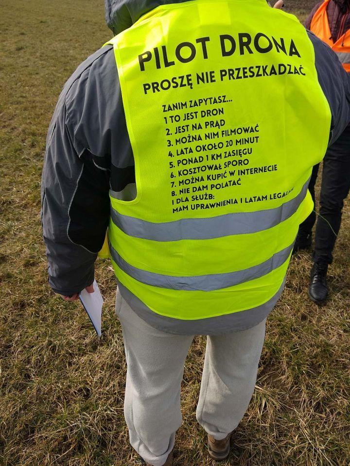 Dronowe heheszki, czyli o dronach na luzie z ironsky.pl